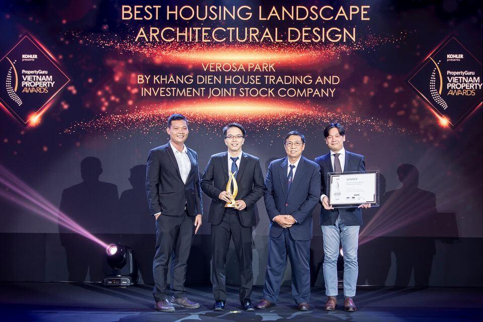 Phó Tổng Giám đốc Bùi Quang Huy đại điện Tập đoàn Khang Điền nhận giải thưởng Vietnam Property Awards của Property Guru