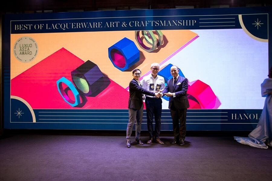 Ông Đoàn Viết Đại Từ – Chủ tịch Tập đoàn OpenAsia nhận về các giải thưởng cho Hanoia, Chopard Alpine Eagle và Lagoon 630 MY