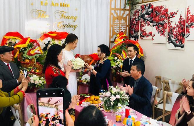 Ông Lại Thế Hà đại diện nhà trai trong lễ ăn hỏi của Nguyễn Quốc Cường - Đàm Thu Trang