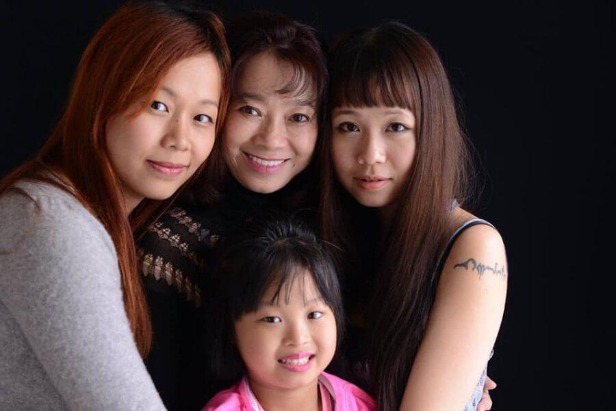 Bà Đặng Thị Hoàng Yến và gia đình