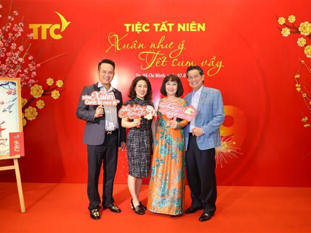 Gia đình Chủ tịch TTC Sugar Huỳnh Bích Ngọc tại tiệc tất niên 2019