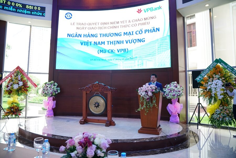Chủ tịch Ngô Chí Dũng phát biểu trong ngày VPBank niêm yết lên sàn chứng khoán