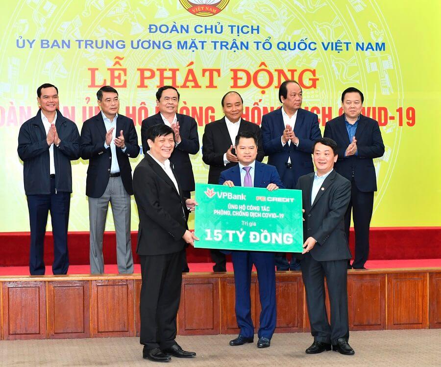 Ngân hàng TMCP Việt Nam Thịnh Vượng (VPBank) và Công ty con Fe Credit đóng góp 15 tỷ đồng phòng chống Covid 19