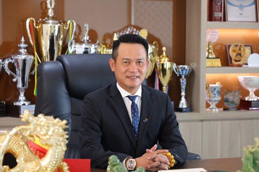 Đặng Hồng Anh từng là vận động viên thể thao chuyên nghiệp đạt rất nhiều giải thưởng cao quý