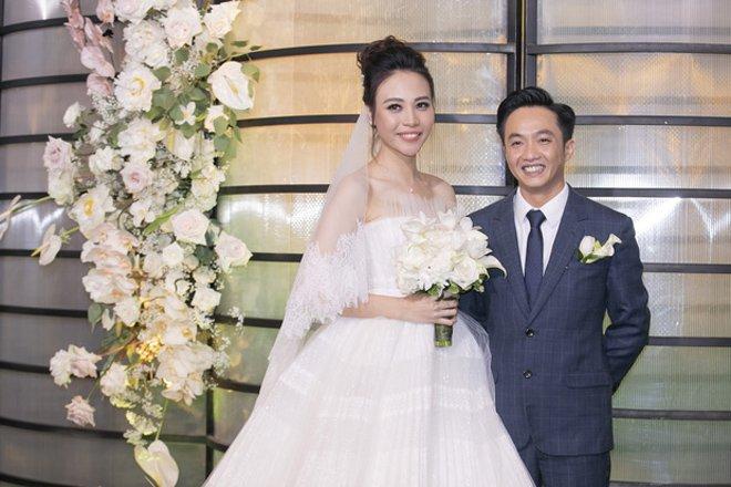"""Sau 2 năm hẹn hò, Cường Đô La – Đàm Thu Trang chính thức về chung một nhà bằng đám cưới """"cổ tích"""" diễn ra vào tối 28/07/2019"""
