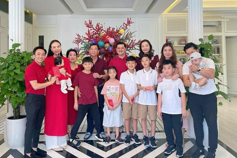 Đại gia đình Cường đô la sum họp dịp Tết Tân Sửu 2021